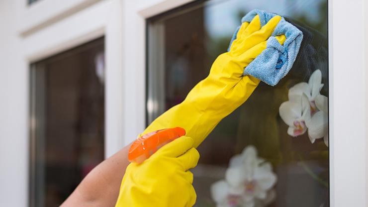 curatare ferestre pvc